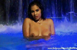 टॉपलेस स्तन ब्लैक HJ सेक्सी इंग्लिश ब्लू पिक्चर वीडियो