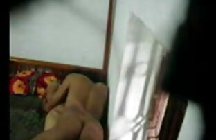 बिग गधा गोरा मोज़ा में बट प्लग और तेल मालिश के बीएफ सेक्सी फिल्म इंग्लिश साथ खेलता है