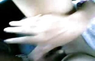 Bain de इंग्लिश फिल्म बीएफ सेक्सी पैर और footjob, एली lèche le sperme sur ses pieds-Satine और बड़े