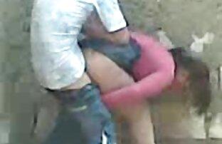एक सुंदर एक्स एक्स एक्स वीडियो इंग्लिश फिल्म गोरा एक फेरारी पर डिल्डो हो जाता है