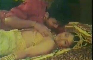 नई हिंदी पिक्चर सेक्सी इंग्लिश सींग का बना मॉडल खुद को तैयार करता है