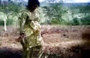 पेशी टैटू स्टड बंधा हुआ है और अपने गुरु द्वारा गुदगुदी सेक्सी फिल्म वीडियो इंग्लिश में