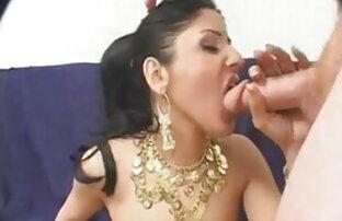 बड़े स्तन के साथ तीन पिक्चर इंग्लिश सेक्सी सींग का बना हुआ लड़कियां