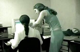 सेक्सी सेक्सी इंग्लिश मूवी फिल्म सचिव और उसके बॉस बिल्ली खाने और कैंची पर डेस्क पर काम